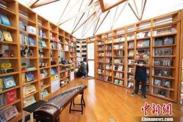 音乐主题快闪书店亮相上海街头